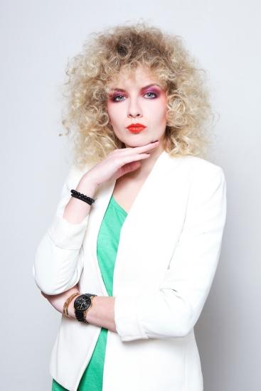 Réalisation de la coiffure et du maquillage, époque année 80, scéance photo, Paris