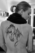 Dessin à l'encre tattoo éphémère.